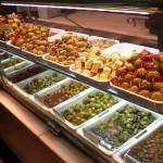 Standort für mediterrane Delikatessen mit Bistrobereich