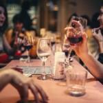 Gut ausgestattetes Restaurant mit idealer Raumaufteilung für Feierlichkeiten